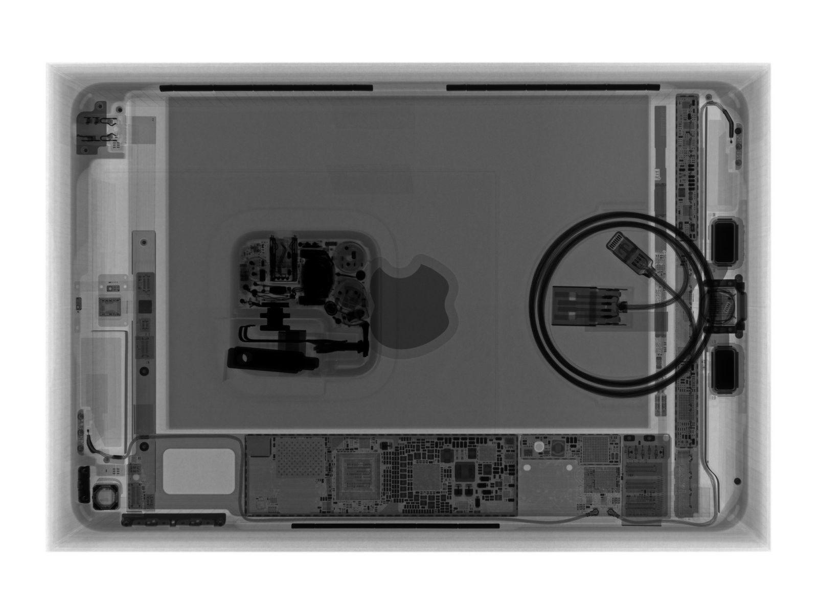 "ipad mini 5 xray of internals ""title ="" ipad mini 5 xray of internals ""height ="" 486 ""width ="" 648"